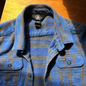 Volcom boy distressed flannel button up